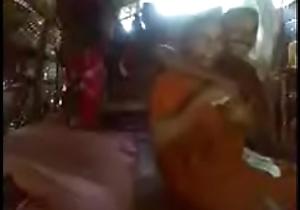 Kerala aunty with respect to saree fucking around neighbour