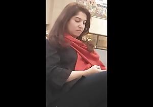 Pakistani Mummy noticed Candid Camera , nice hooves faceshot