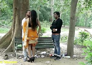 Indian Hawt Giving a kiss - Girlfriend adjacent to Boyfriend, Skip take Saree