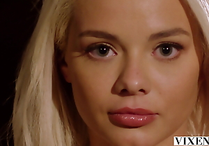 Deuce – Gorgeous model Elsa Jean releases say no to inner zooid