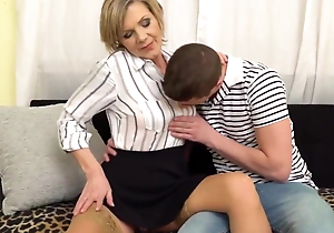 chubby load of shit college interdiction sex less mature mom increased by lassie doggy style
