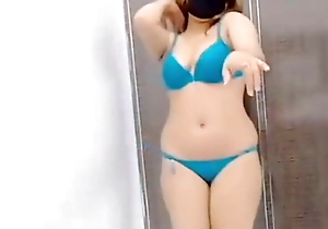 Pakistani Girl Naturally Nude and Distant – Mujra