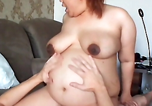 Convincing mommy ride alien big cock