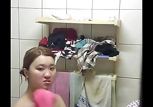 表妹洗澡露點
